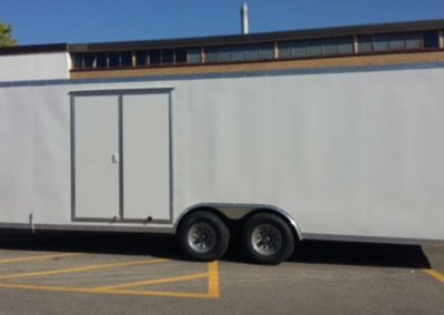 enclosed-car-trailer-rental-04